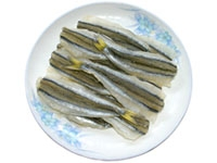 Dried salted smelt